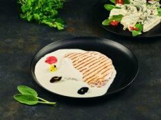 Cotlet de porc cu sos gorgonzola