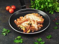 Cartofi țărănești cu șunculiță și mozzarella